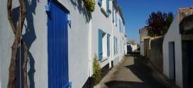 Sur l'île de Noirmoutier, pas de nuancier mais le bleu, le vert et le gris sont recommandés pour les volets.