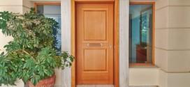 Bois, alu, acier ou PVC... A chaque maison son style, et son modèle de porte d'entrée.