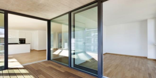 La baie coulissante peut également s'adapter à l'intérieur de la maison.