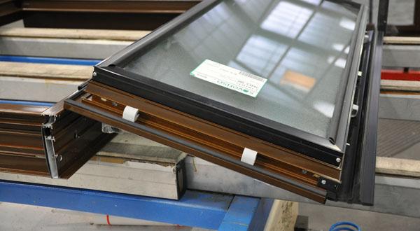 Changer les fenêtres de la copropriété avec un éco-prêt à taux zéro ? il faut faire appel à un professionnel RGE !