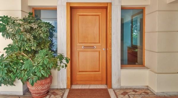 Quel matériau choisir pour votre porte d'entrée ?