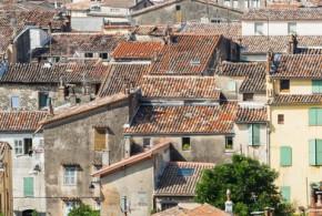 Couleurs des volets à Draguignan, dans le Var - Image Fotolia.com