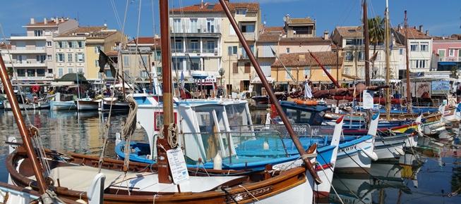 Le port de Sanary - couleurs des volets