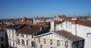 LA ville d'Agen tient à préserver son patrimoine architectural grâce à des couleurs harmonieuses.