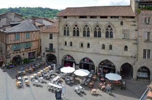 À Figeac, les façades des bâtisses médiévales sont protégées.