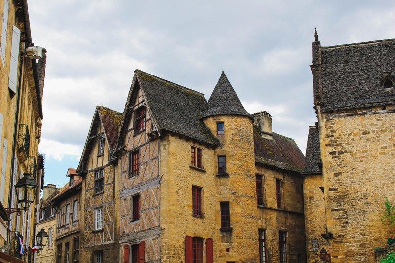 Les façades des secteurs protégés témoignent de notre patrimoine