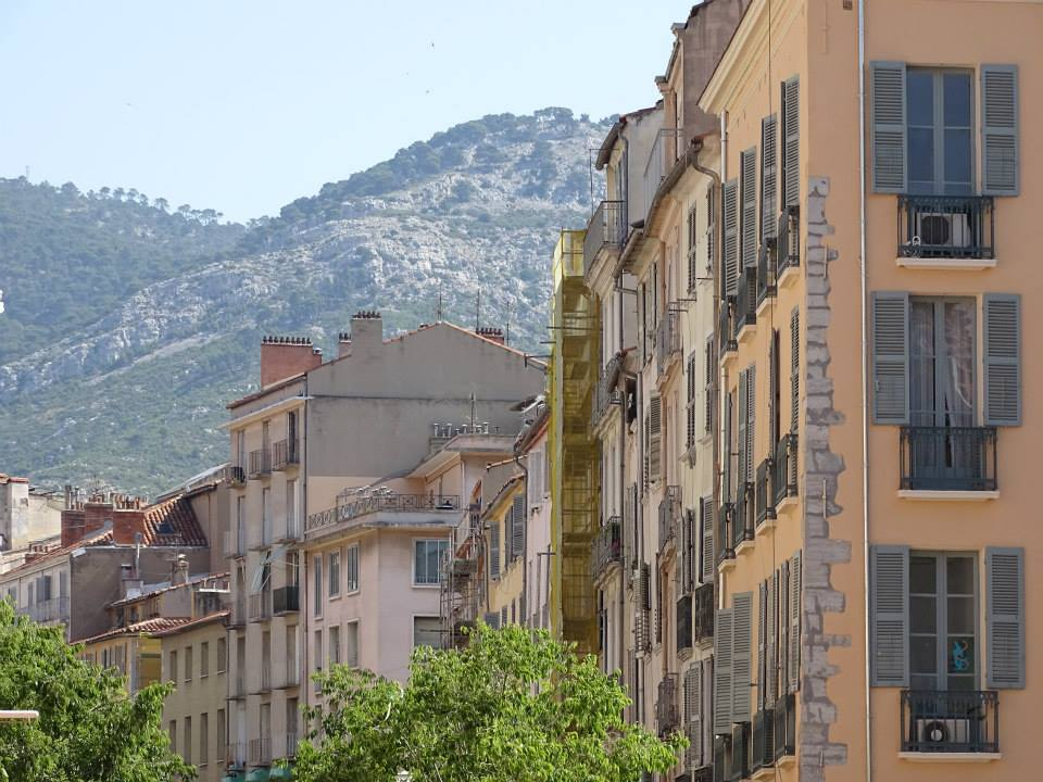 La vieille ville de Toulon et ses façades d'époque