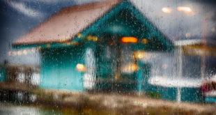Comment protéger sa porte d'entrée et sa maison en cas d'inondation ?